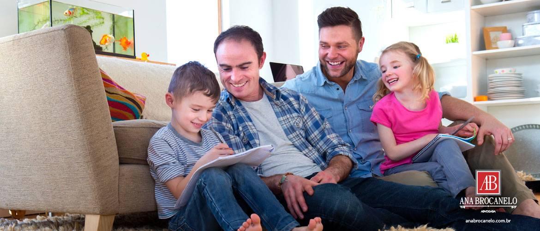 Adoção por casais homossexuais já é possível em cerca de 20 países.