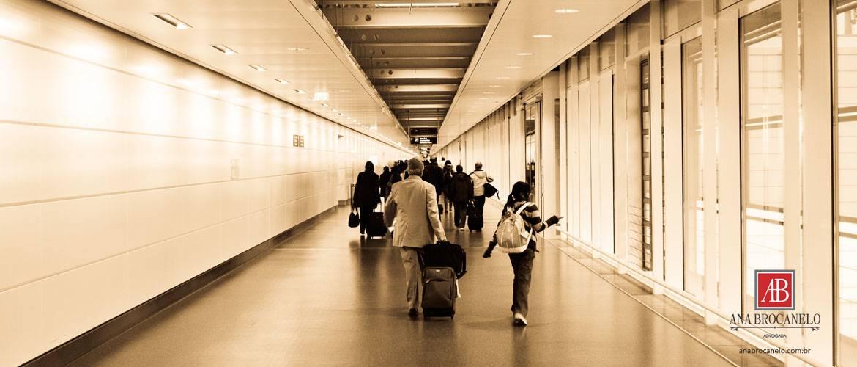 Orientações para viagem de crianças e adolescentes.